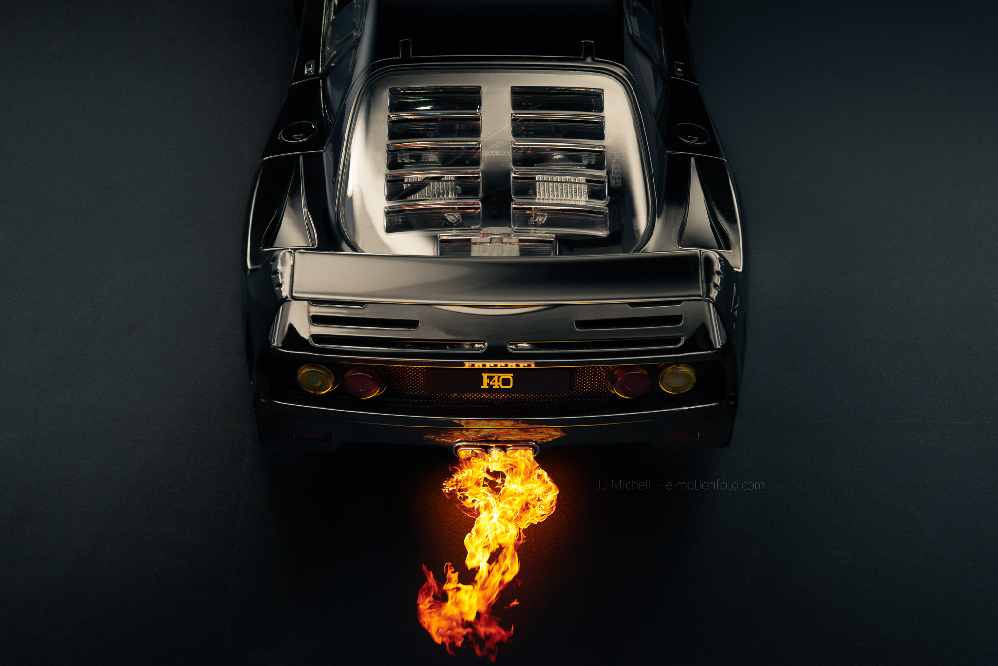 Ferrari F40 Light Weight - Flammes